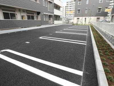 【駐車場】リノアイーナ