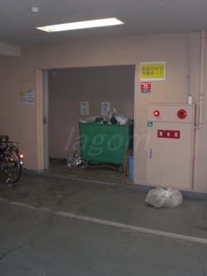 敷地内24時間ゴミ出し可能なゴミステーション