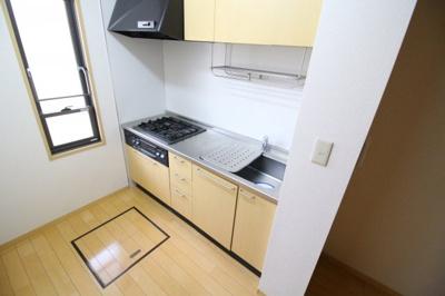 【キッチン】シャーメゾン協和A