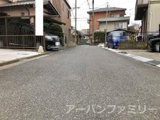 【前面道路含む現地写真】近江八幡市鷹飼町 新築戸建