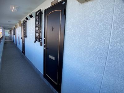 【玄関】ウェルシー氷室㈱Roots