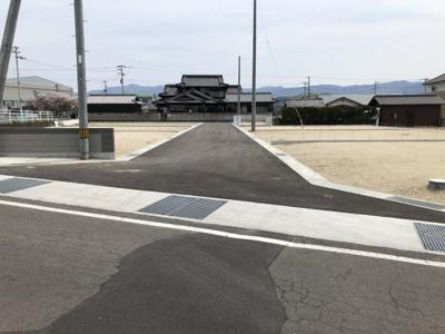 【前面道路含む現地写真】コゾタウンまんのうⅢ10号地
