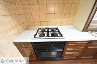 【キッチン】ローズヴィラ神戸六甲篠原邸2階3階