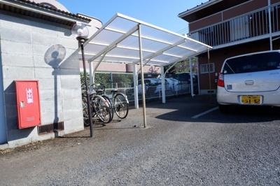 屋根付きの自転車置き場がうれしい♪