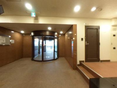 【ロビー】日本橋駅徒歩3分のホテルライクな賃貸マンション