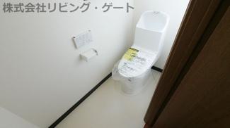 新品に交換済みのトイレ