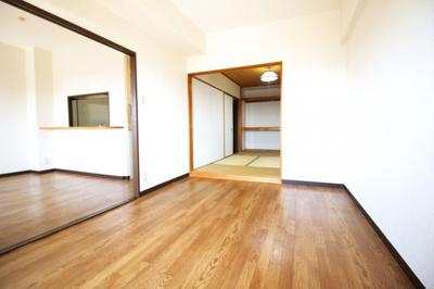 洋室6.7帖・LDK11帖・和室6帖の扉全てを開けると、とても開放的な空間が確保できます。