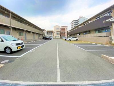 【駐車場】アジュール久宝寺中央