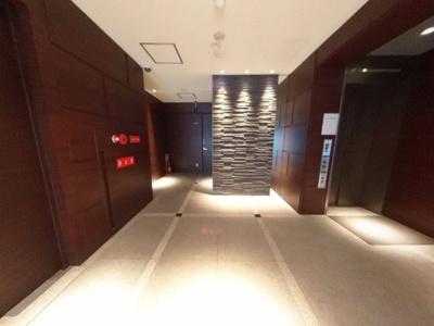 【ロビー】ホテルライクな高級リノベ部屋