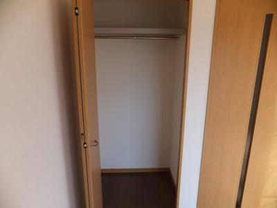 ローソン 愛知川市店(264m)