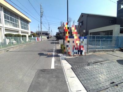 4月11日撮影 前面道路を含む販売現地