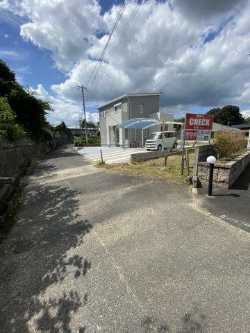 前面道路から宅内への敷地延長部分