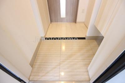 【玄関】ロッカベラアパートメント