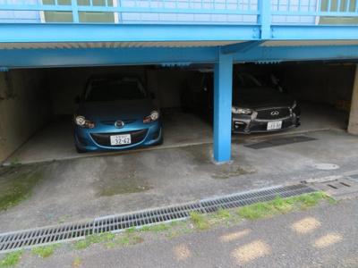 【駐車場】カーサいずみ