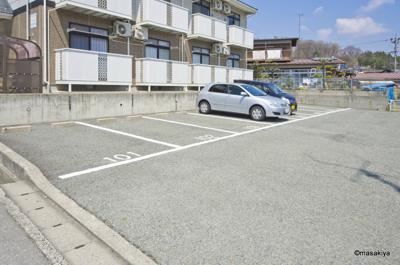 駐車場 広々です。