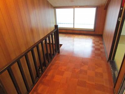 階段を上がった所のスペースです。