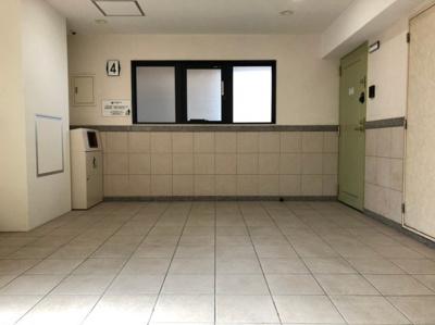 【ロビー】日本橋駅に徒歩1分のリノベ賃貸