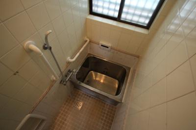【浴室】高羽町3丁目テラスハウス