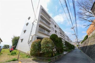 阪急御影駅より徒歩18分 緑豊かな住宅地です♪