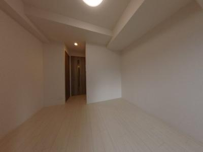 【洋室】本町・心斎に徒歩圏内の分譲賃貸レジデンス