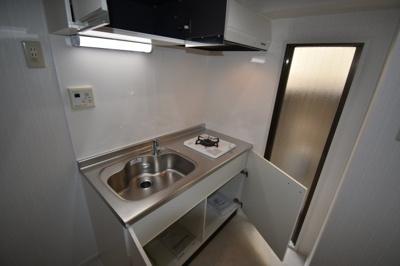 ガスコンロ1口の新規のキッチンです。