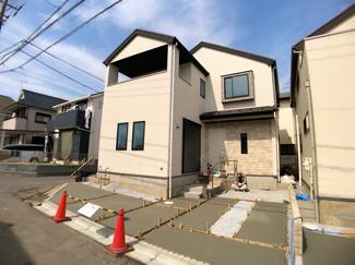 新京成線「高根公団」駅徒歩13分の全2棟の新築一戸建てです。