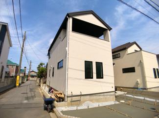 敷地約35.3坪で建物が述100平方メートル超えの3SLDKと4LDKです。