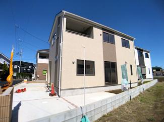 東葉高速線「飯山満」駅徒歩8分の全4棟の新築一戸建てです。