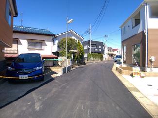 前面道路は4m公道です。