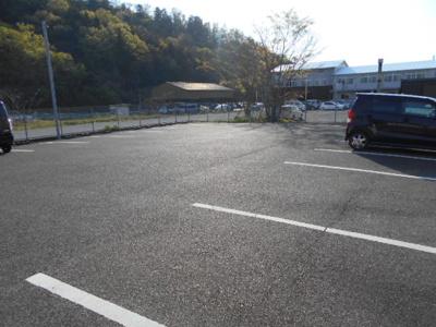 【駐車場】佐生町Yテナント
