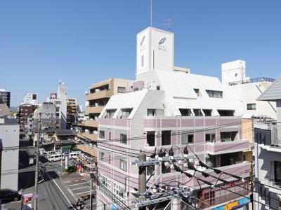 バルコニーから広島城方面の景色