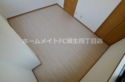 【洋室】F2