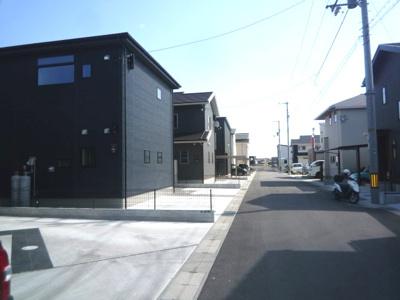 【前面道路含む現地写真】高知市一宮徳谷新築戸建