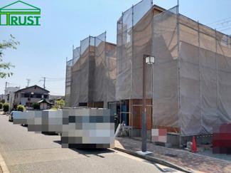 北側道路西側からの写真です、駅近くの戸建は憧れですよね、完成時の仕様書です。