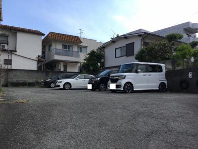 【駐車場】岡田マンション