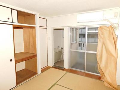 【居間・リビング】ビレッジハウス鎌倉8号棟