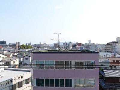前面に建物が無いので眺望も言うこと無いですね!