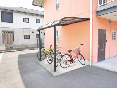ゆったりとした駐輪スペースです