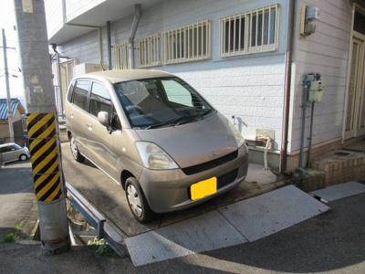 軽自動車の駐車ができます