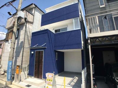 南海高野線『萩原天神』駅まで徒歩12分♪ブルーの外壁にブラウンの玄関扉!