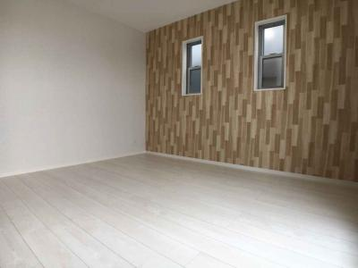 3F洋室は木板柄で明るく優しいイメージ♪
