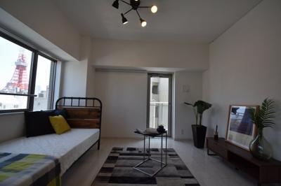 お部屋は2面採光の明るいお部屋です。