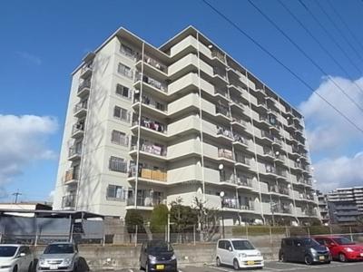 【現地写真】  総戸数101戸のマンションです♪