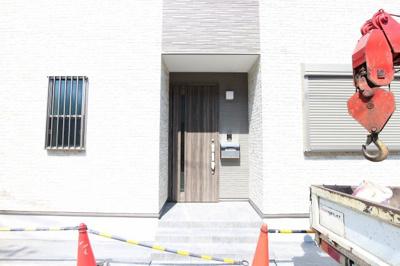 【エントランス】吹田市寿町1丁目戸建(A棟)