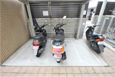【駐車場】レジュールアッシュ梅田イースト
