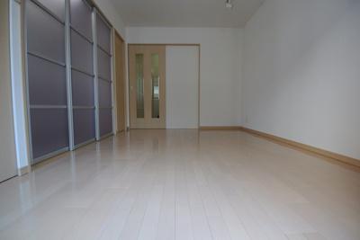 【寝室】スタジオaptウッドハウス