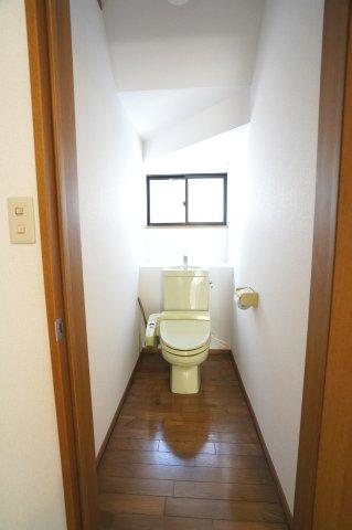 1階 温水洗浄機能付きです。