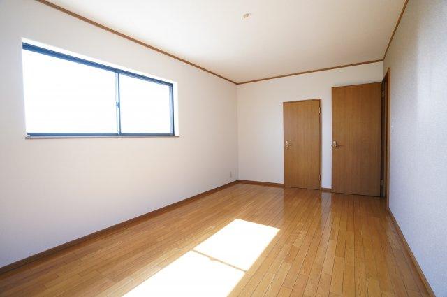 7.5帖 直線的なリビングなので家具のレイアウトもしやすいですね。