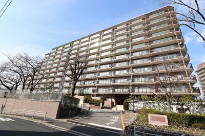 【現地写真】 鉄骨・鉄筋コンクリート造の225戸大型マンションです♪