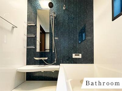 1616サイズの浴室。アクセントパネルがまたいい雰囲気をだしてます☆